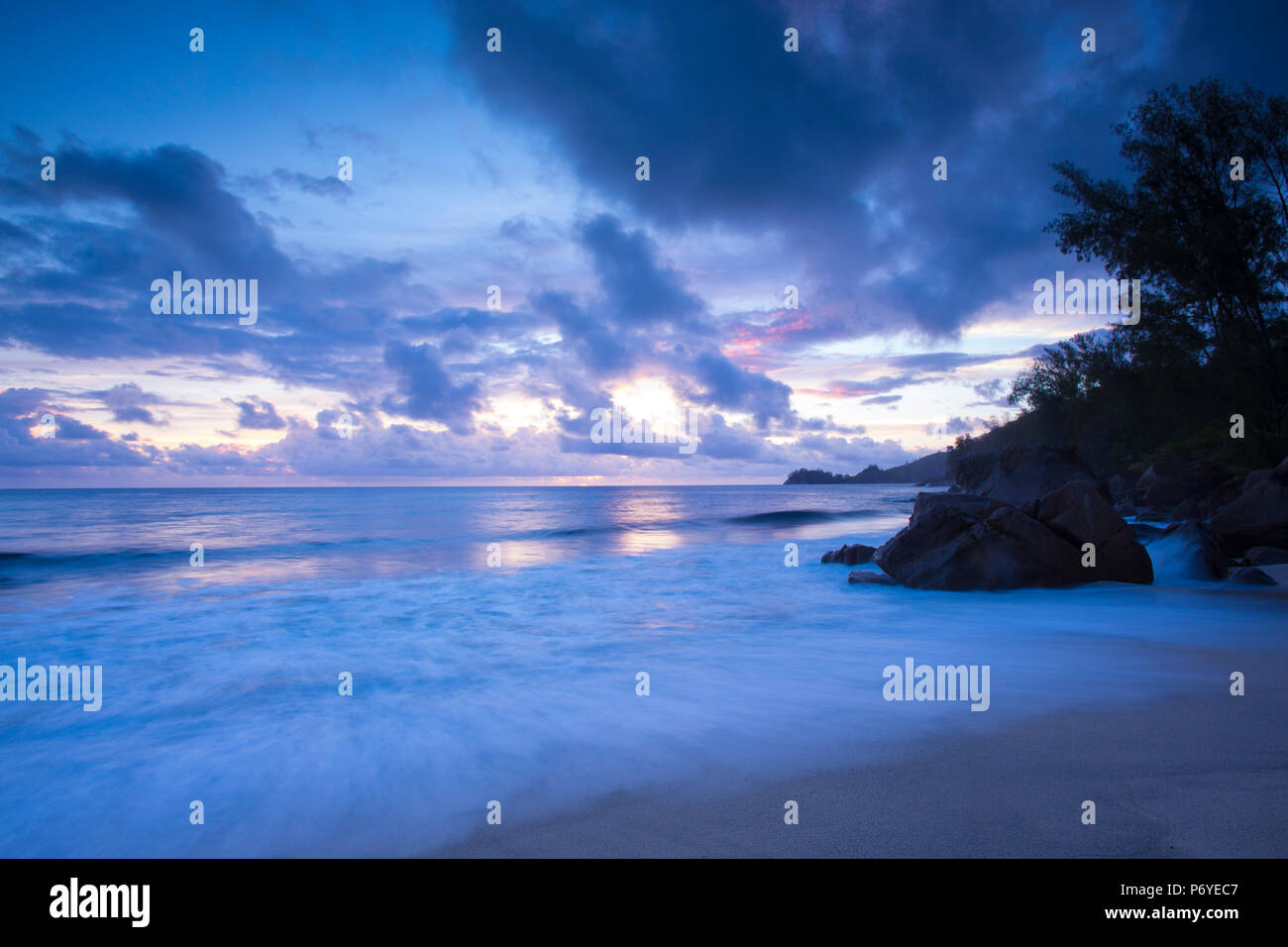 Tropical beach, Mahe island, Seychelles - Stock Image