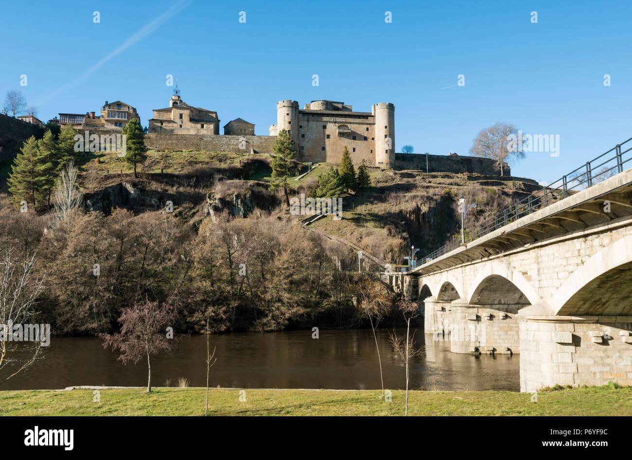 The Tera river and the castle of Puebla de Sanabria. Castilla y Leon, Spain - Stock Image