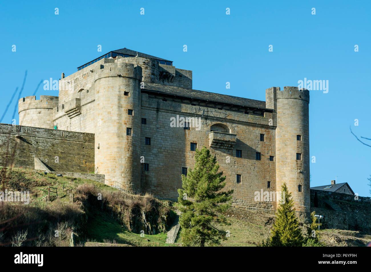 The castle (castillo de los condes de Benavente) of Puebla de Sanabria. Castilla y Leon, Spain - Stock Image