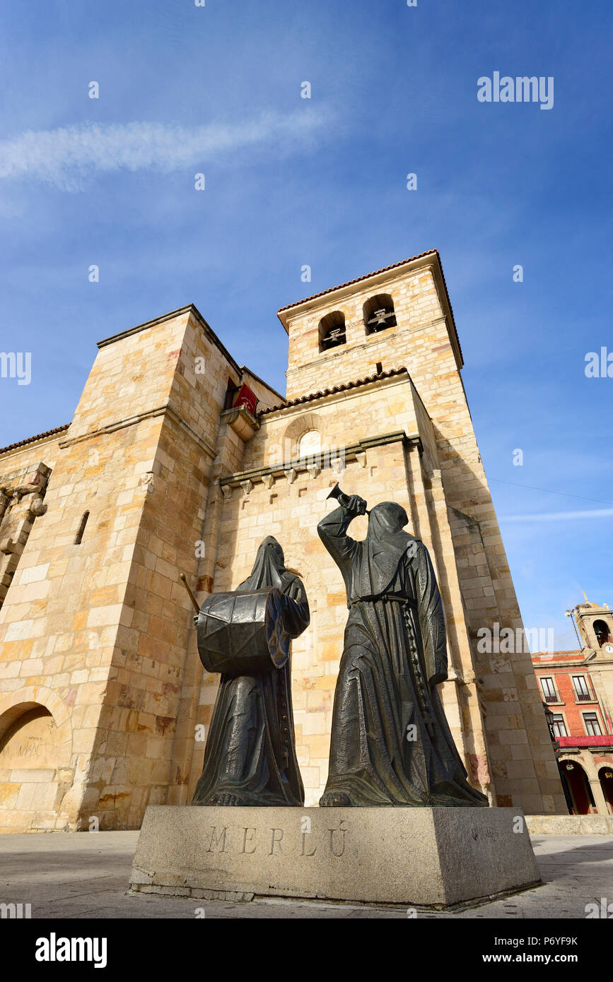 The Merlu is the name given to the two caracters that have to gather all the brothers to the procession of Holy Week (Semana Santa). Zamora, Castilla y Leon. Spain - Stock Image