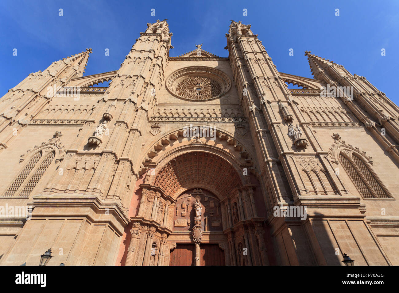 Spain, Balearic Islands, Mallorca, Palma de Mallorca, Cathedral (La Seu) - Stock Image
