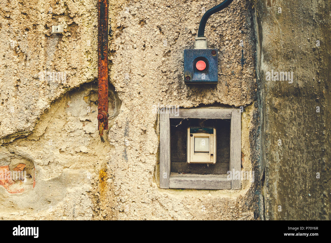 Old Electrical Switch On A Wall Stock Photo 210848367 Alamy Picture