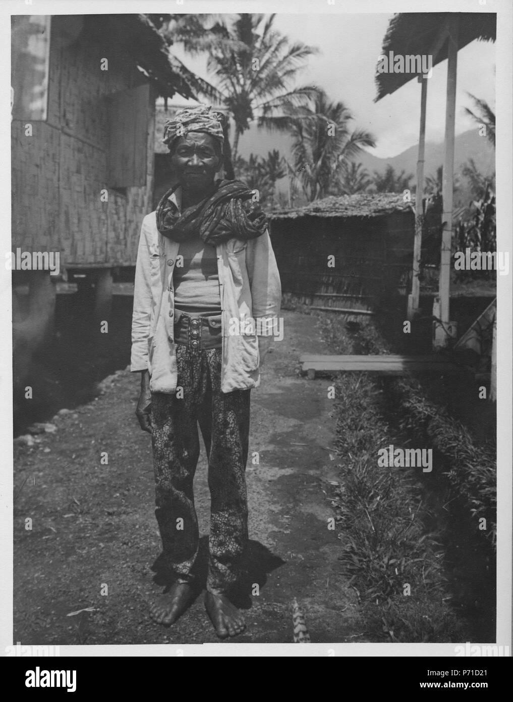 51 Sikona, en gammal Mongondou-man. Kabupaten Bolaang Mongondow, Sulawesi. Indonesien - SMVK - 000309 - Stock Image
