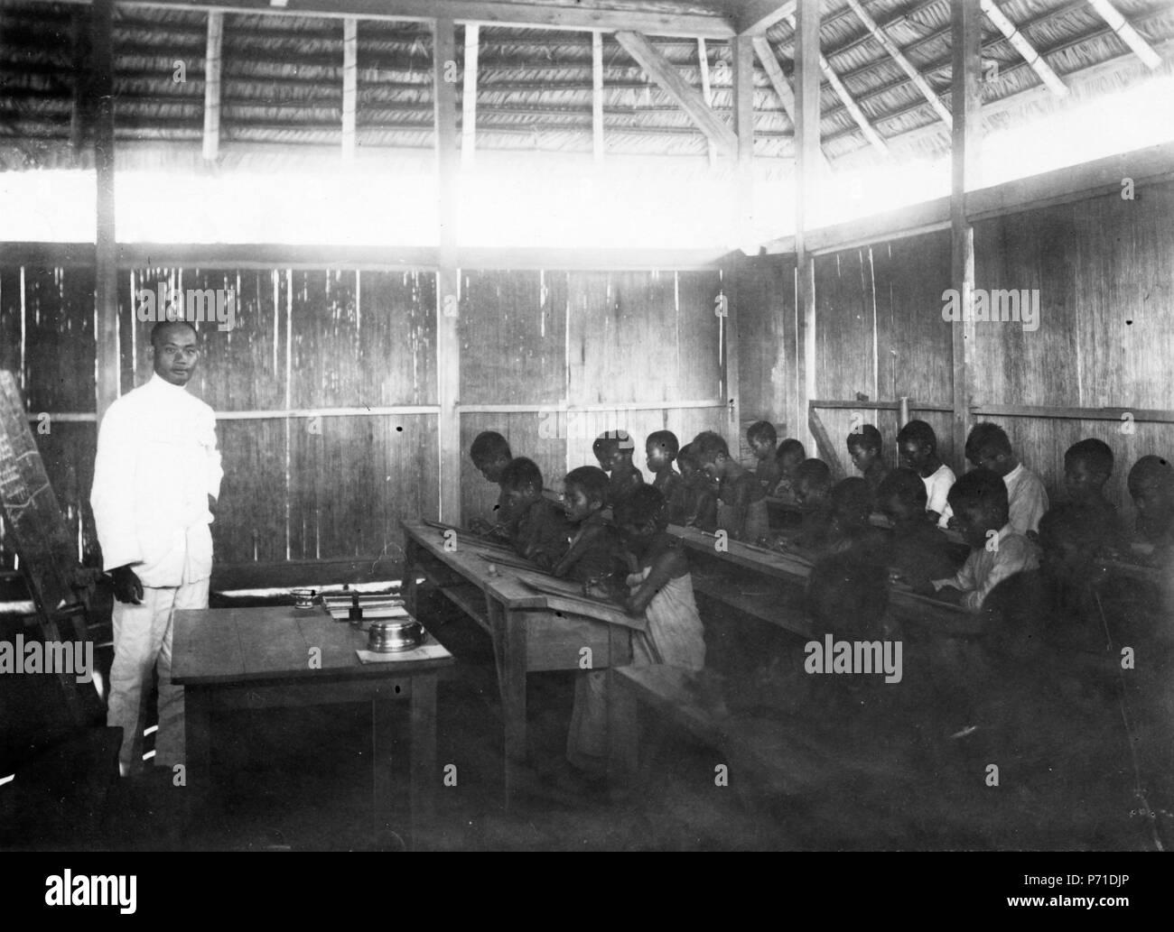 51 Skolsalen. Winatu, Sulawesi. Indonesien - SMVK - 010822b - Stock Image