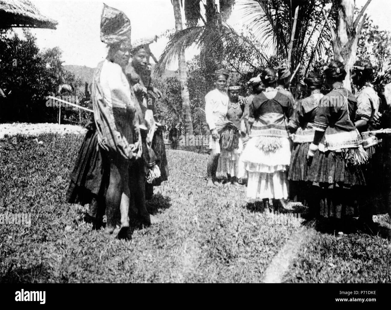 43 Moraego-dans. Kulawi, Sulawesi. Indonesien - SMVK - 010734d - Stock Image