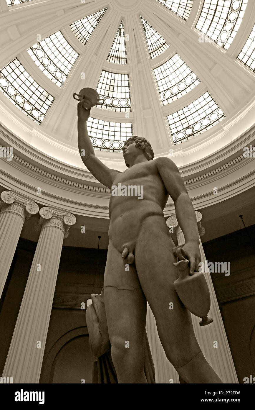 BW Antinous,Statue, Lady Lever Art Gallery, Port Sunlight Village, Lower Rd, Bebington, Wirral, North West England, UK,  CH62 5EQ - Stock Image