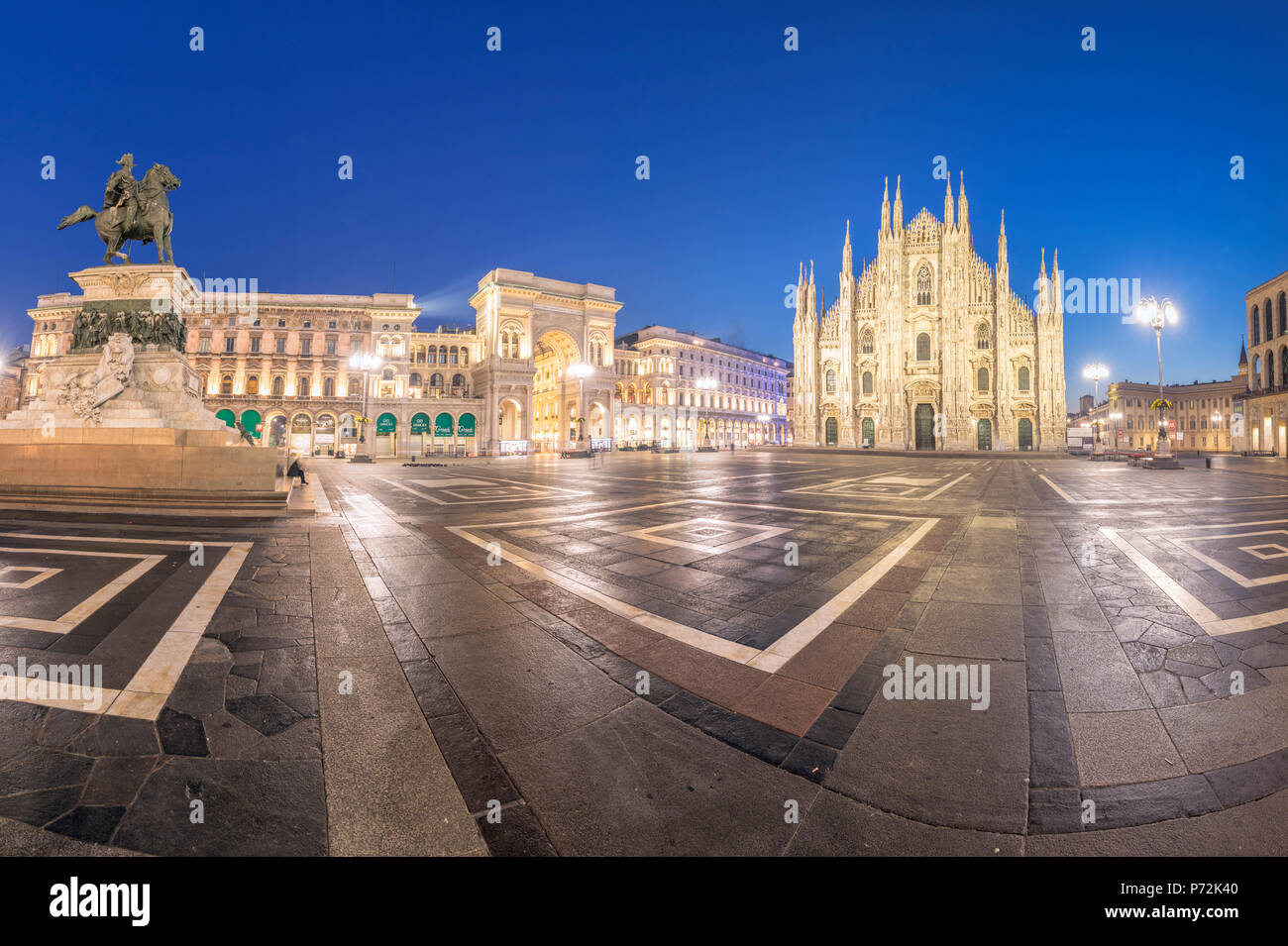 Panoramic of Milan Cathedral (Duomo) and Galleria Vittorio Emanuele II at dusk, Milan, Lombardy, Italy, Europe - Stock Image