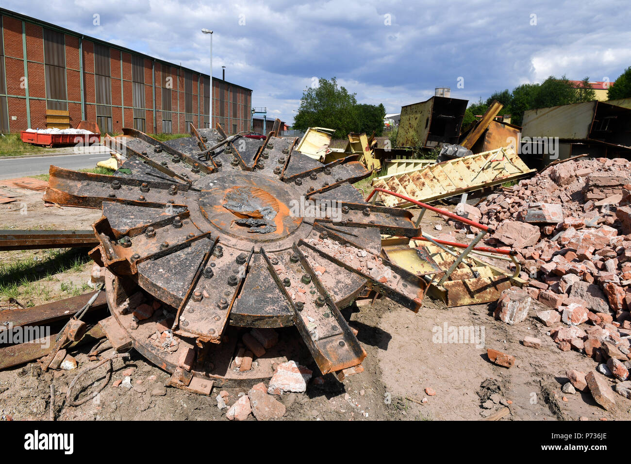 Bischofferode, Deutschland. 27th June, 2018. 27.06.2018, Bischofferode, Thuringen: Remains of the Demand Tower from the potash plant Bischofferode are located on the former company premises. Protests of the miners at the close of the early 1990s made the work known nationwide. (to dpa 'hunger strike! - Search for clues 25 years after the Kali rebellion' from 28.06.2018) Credit: Jens Kalaene/dpa central image/dpa | usage worldwide/dpa/Alamy Live News - Stock Image