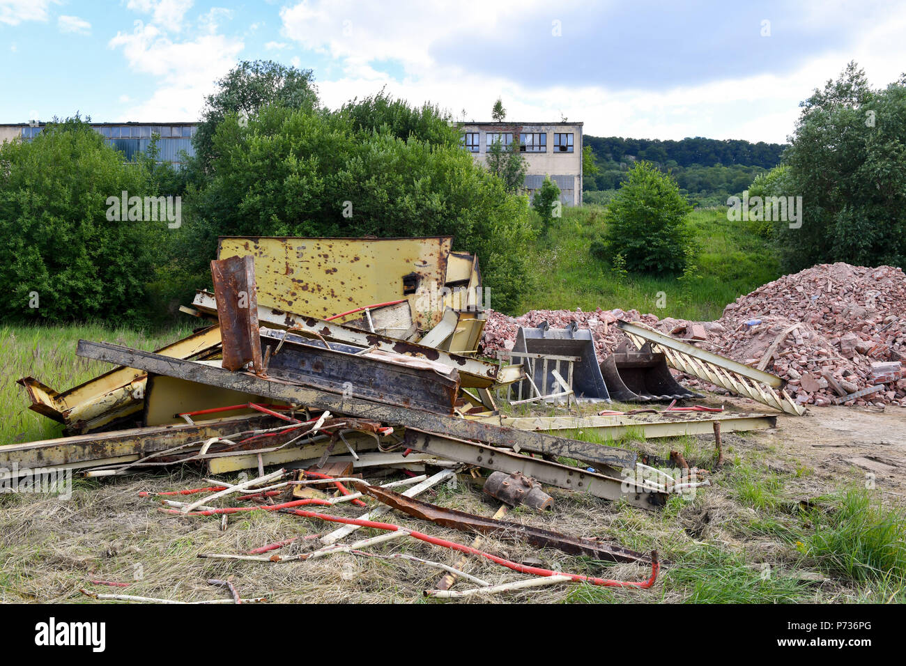 27.06.2018, Bischofferode, Thuringen: Remains of the Demand Tower from the potash plant Bischofferode are located on the former company premises. Protests of the miners at the close of the early 1990s made the work known nationwide. (to dpa 'hunger strike! - Search for clues 25 years after the Kali rebellion' from 28.06.2018) Photo: Jens Kalaene / dpa central image / dpa | usage worldwide - Stock Image