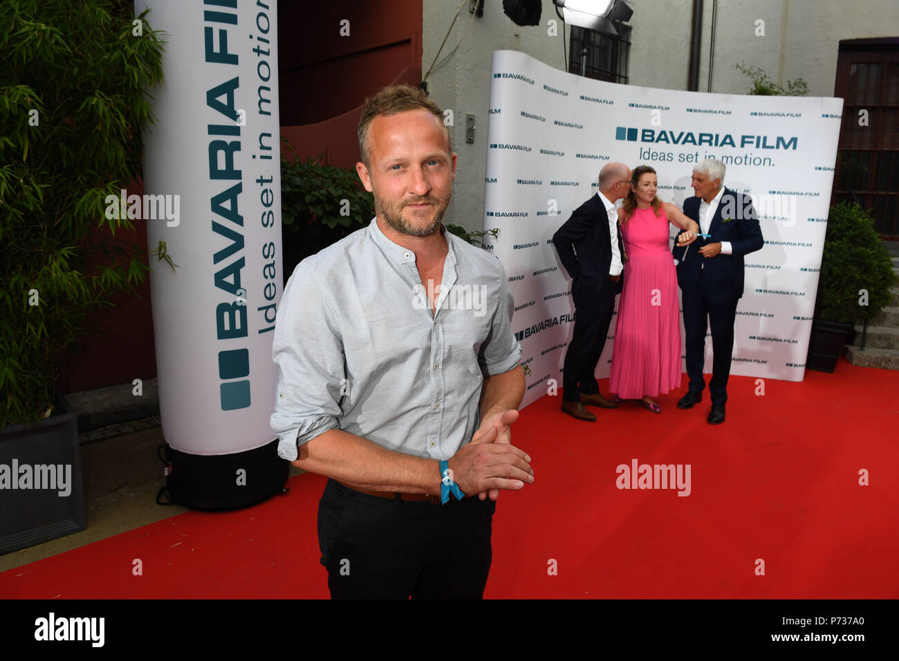 03 July 2018, Germany, Munich: Actor Maximilian Brueckner attends the Bavaria Film reception at the Kuenstlerhaus, an event hosted on occasion of the Film Festival Munich. Photo: Felix Hörhager/dpa - Stock Image