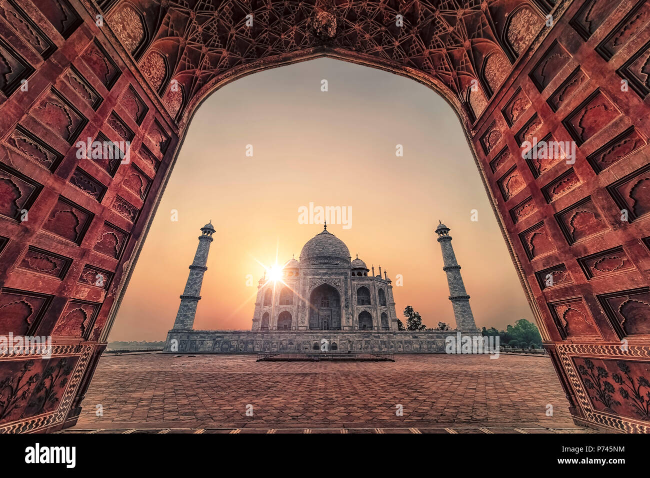 Taj Mahal in sunrise light, Agra, India - Stock Image