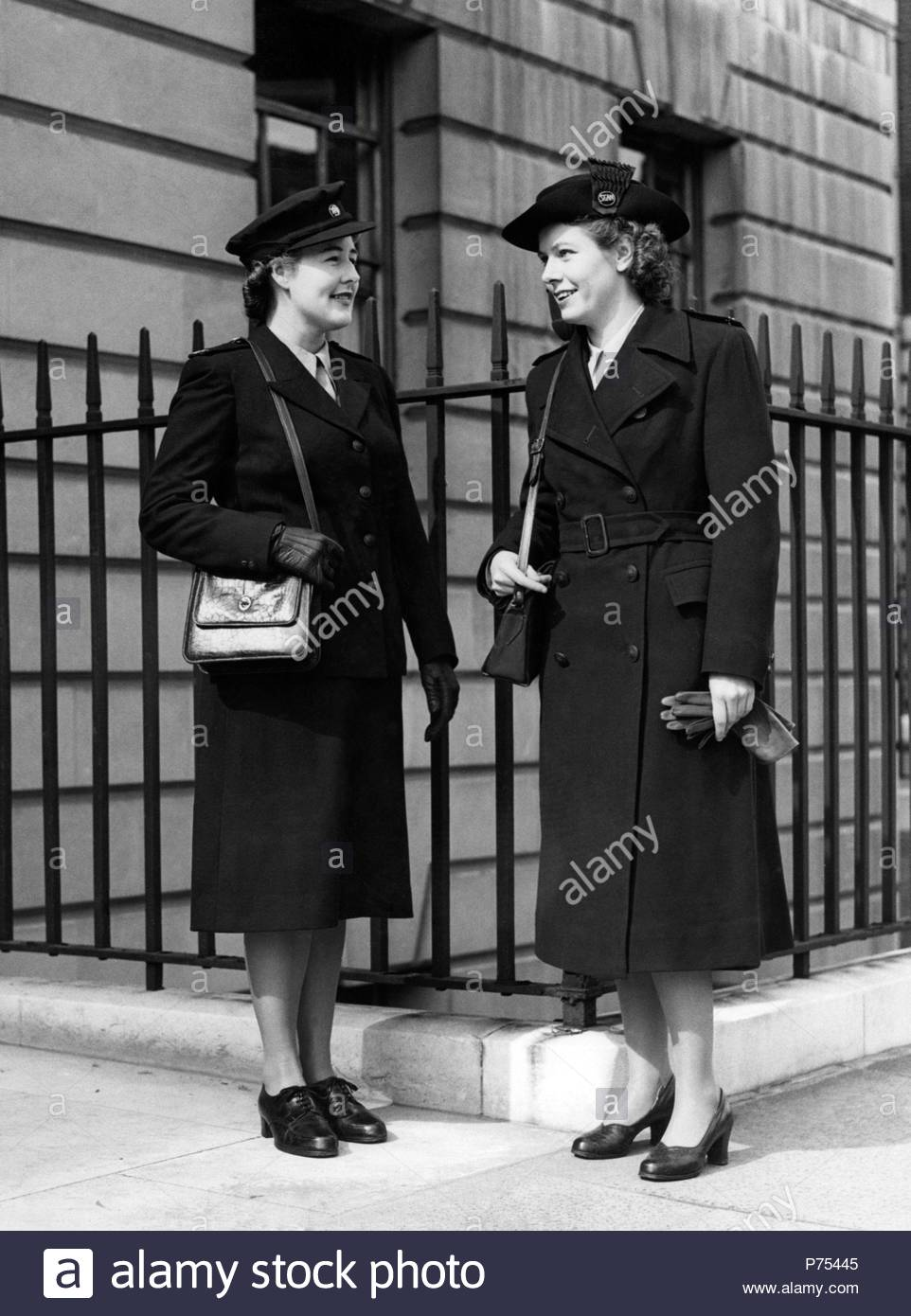 File photo dated 27/09/48 of the uniforms to be worn by State Registered Nurses (left) and State Enrolled Assistant Nurses for the then newly formed National Health Service (NHS). - Stock Image