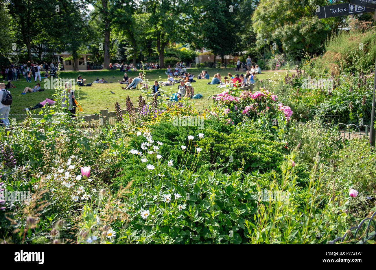 Brighton Royal Pavilion and Gardens during hot summer weather June 2018 - Stock Image