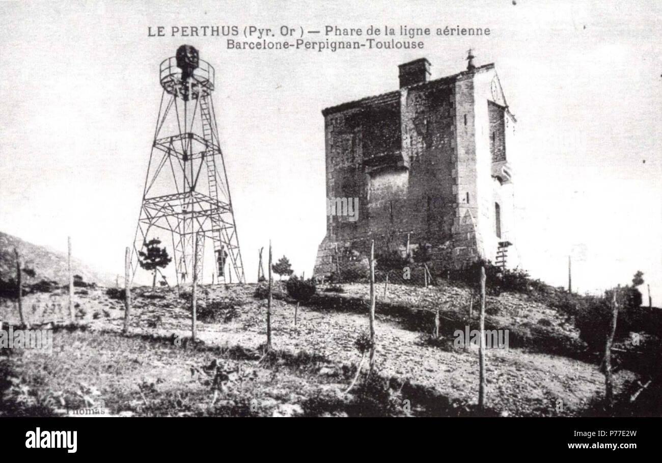 Phare aérien et redoute au Perthus 43 Le Perthus - Phare aérien et redoute - Stock Image