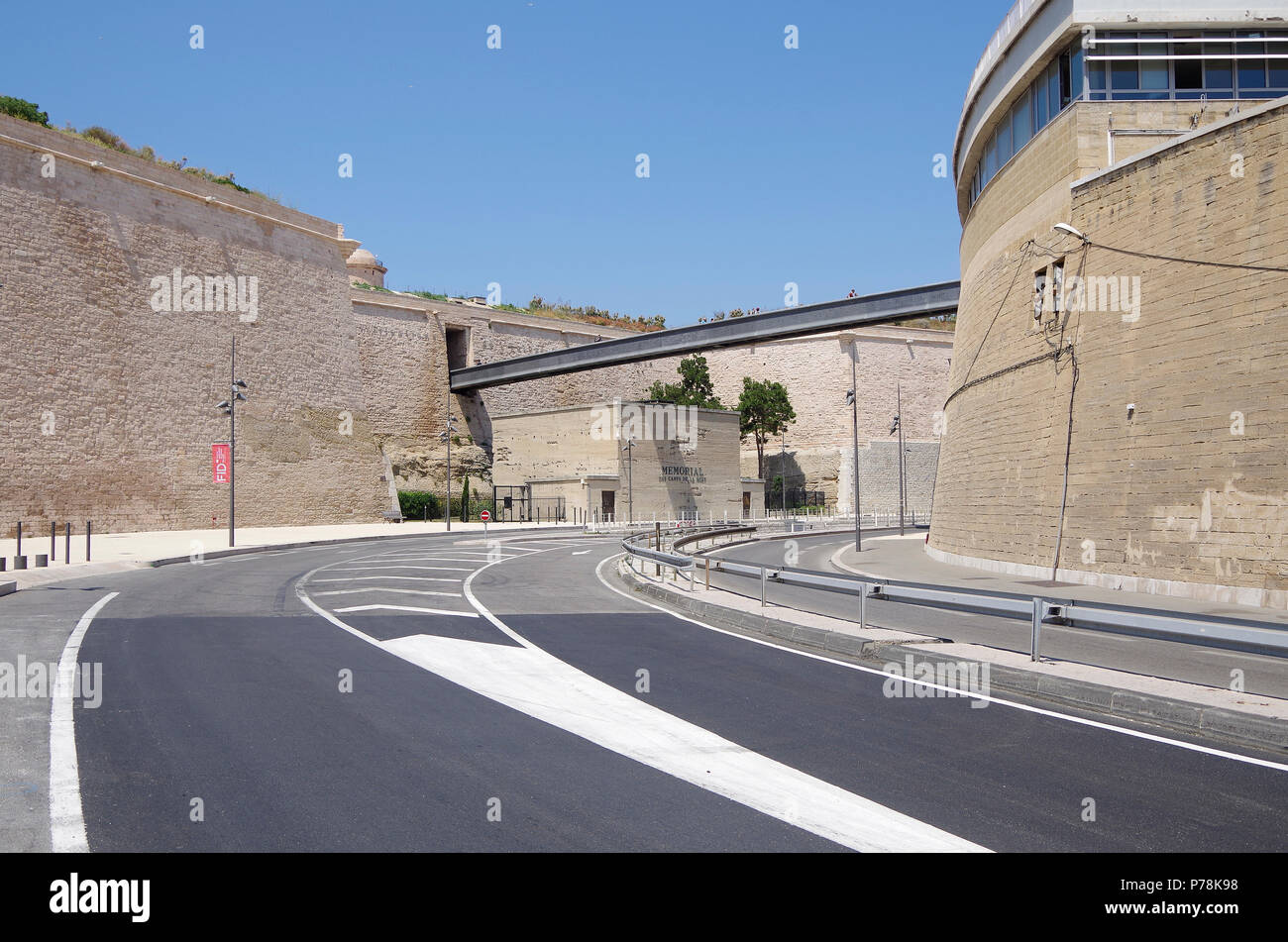 Marseille, Fort St Jean, and modern footbridge over Avenue Vaudoyer, linking it to Le Panier Historic district as part of the MuCEM complex Stock Photo