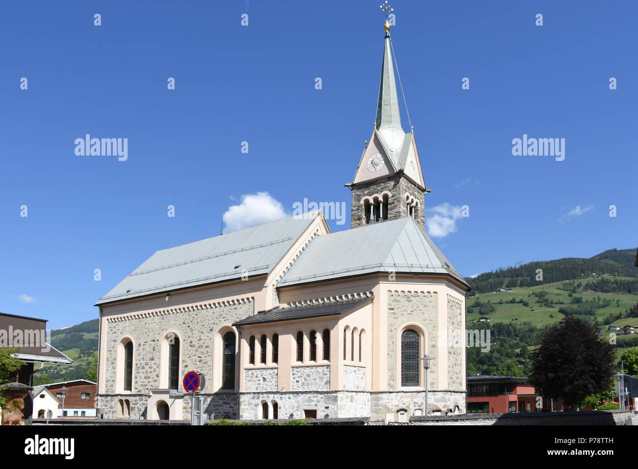 Kirche von Niedernsill Salzburg Stock Photo