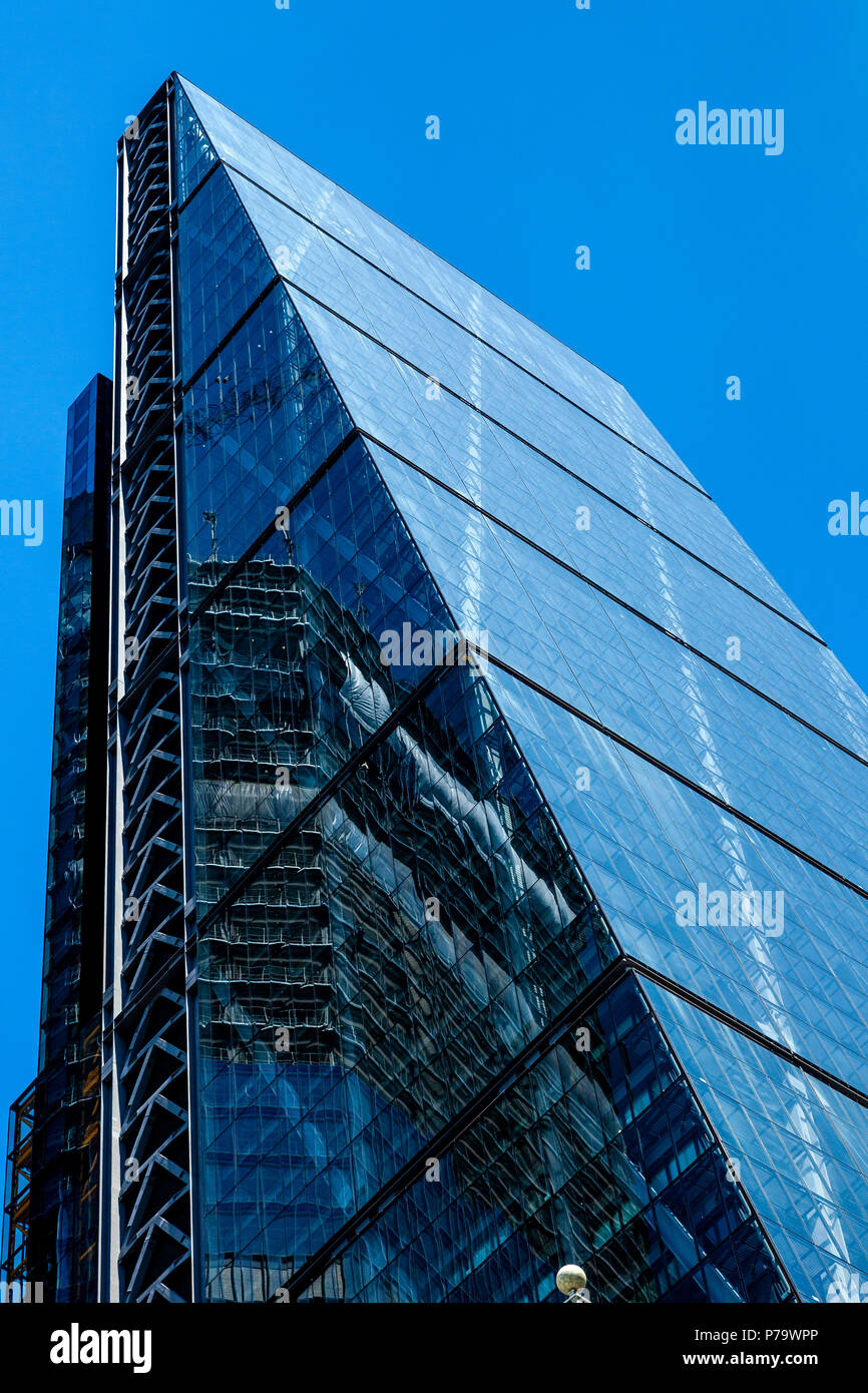 The Leadenhall Building, also known as The Cheesegrater, London, England - Stock Image