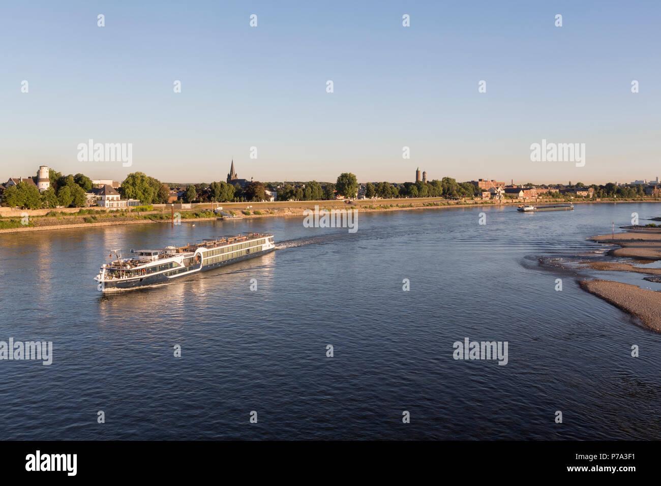 Krefeld, Uerdingen, Blick von der Krefelder Rheinbrücke - Stock Image