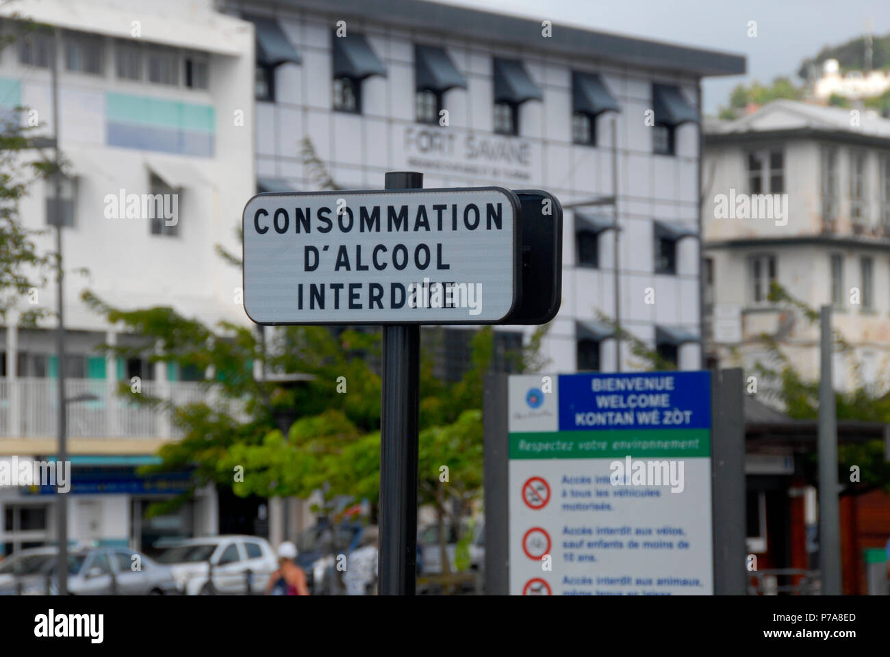Roadside sign in Fort de France, Martinique, Caribbean - Consommation d'alcool interdite (consumption of alcohol forbidden) - Stock Image