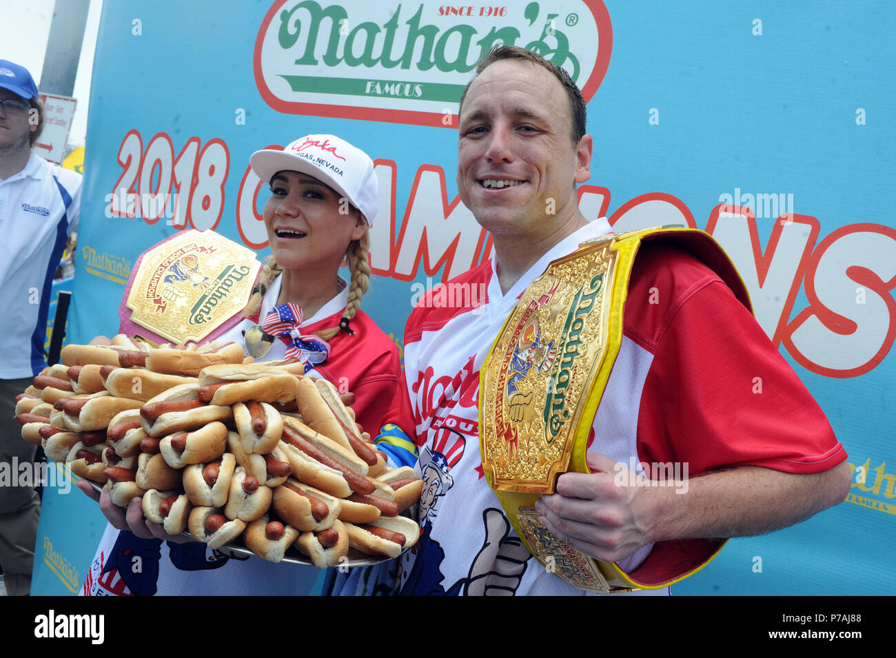 New York Ny July 04 Competitive Eaters Joey Chestnut