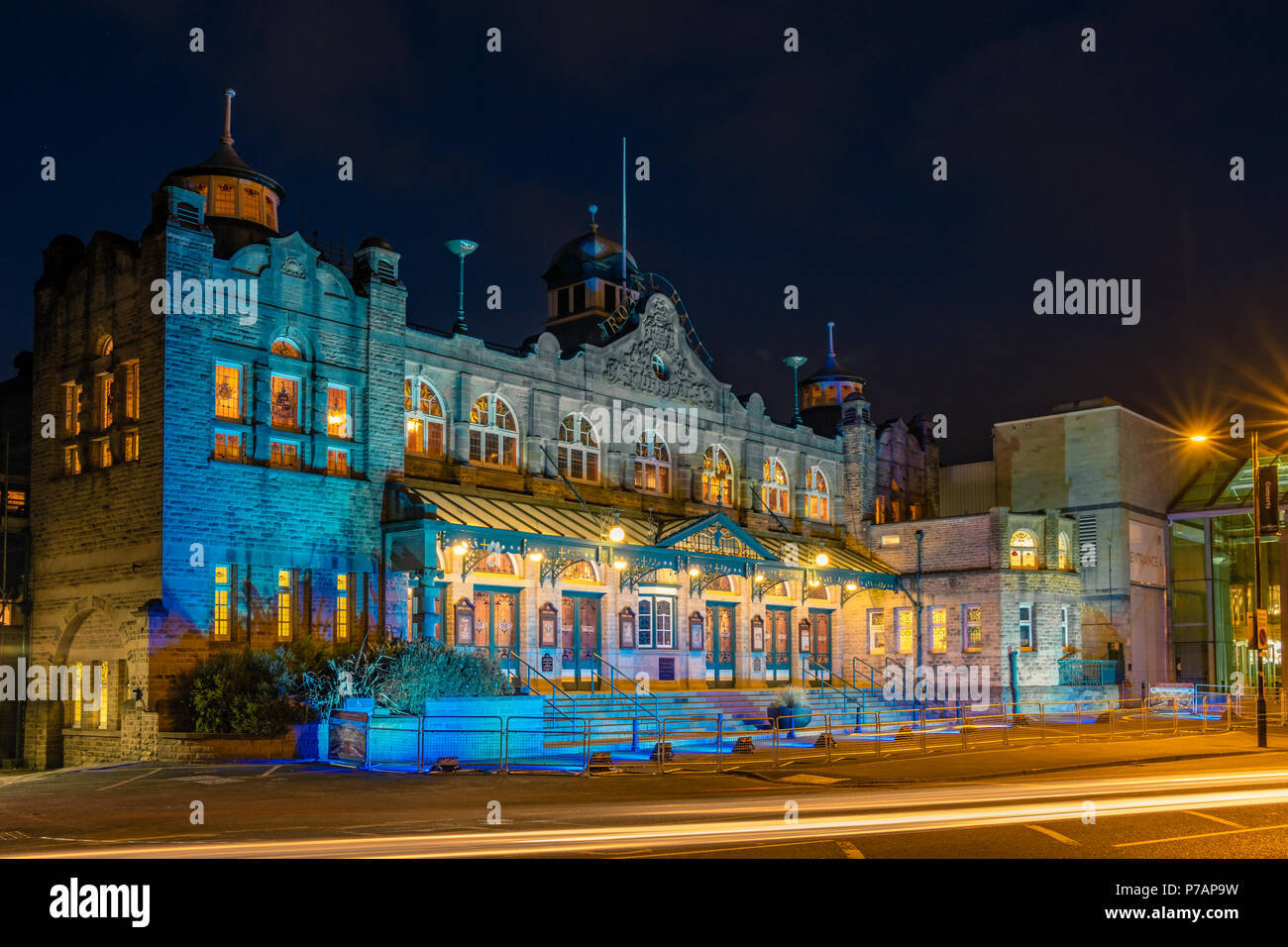 Royal Hall, Harrogate, North Yorkshire, UK - 5 July 2018: The Royal Hall in Harrogate, North Yorkshire, UK, lit up in blue to celebrate the 70th birthday of the NHS. Caught Light Photography/Alamy Live News - Stock Image