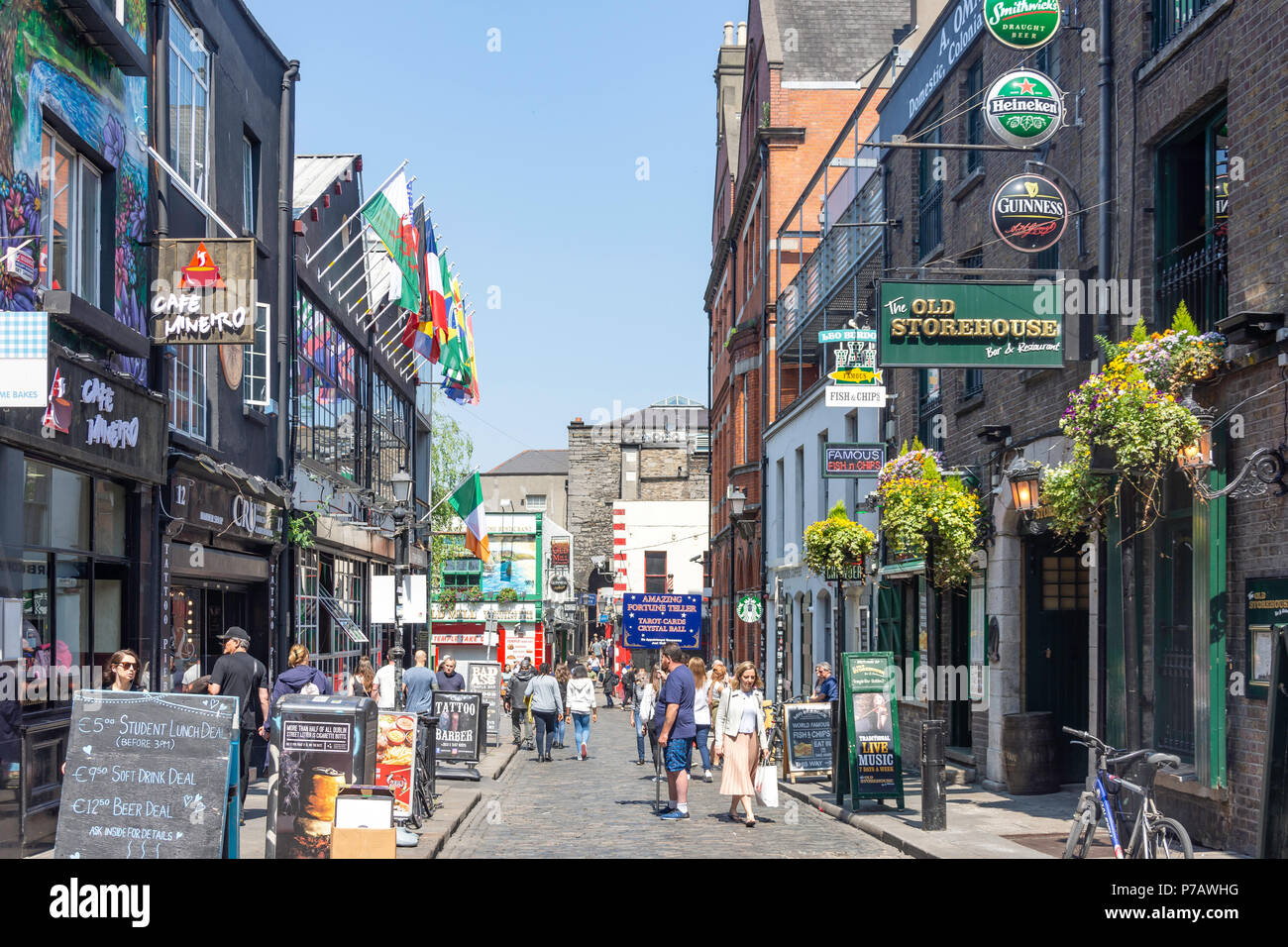 Cafes and bars on Crown Alley,Temple Bar, Dublin, Leinster Province, Republic of Ireland - Stock Image