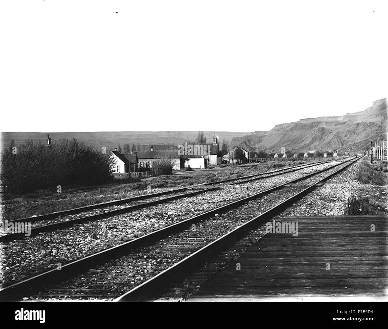 English: Spokane, Portland & Seattle Railway tracks at