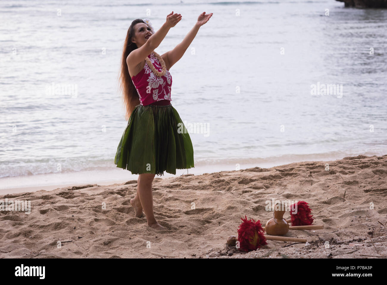 Hawaii hula dancer in costume dancing - Stock Image