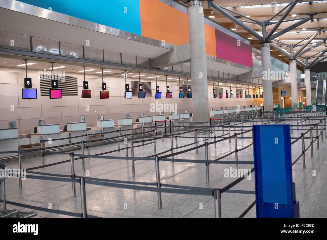 Check-in counters and stanchions - Stock Image