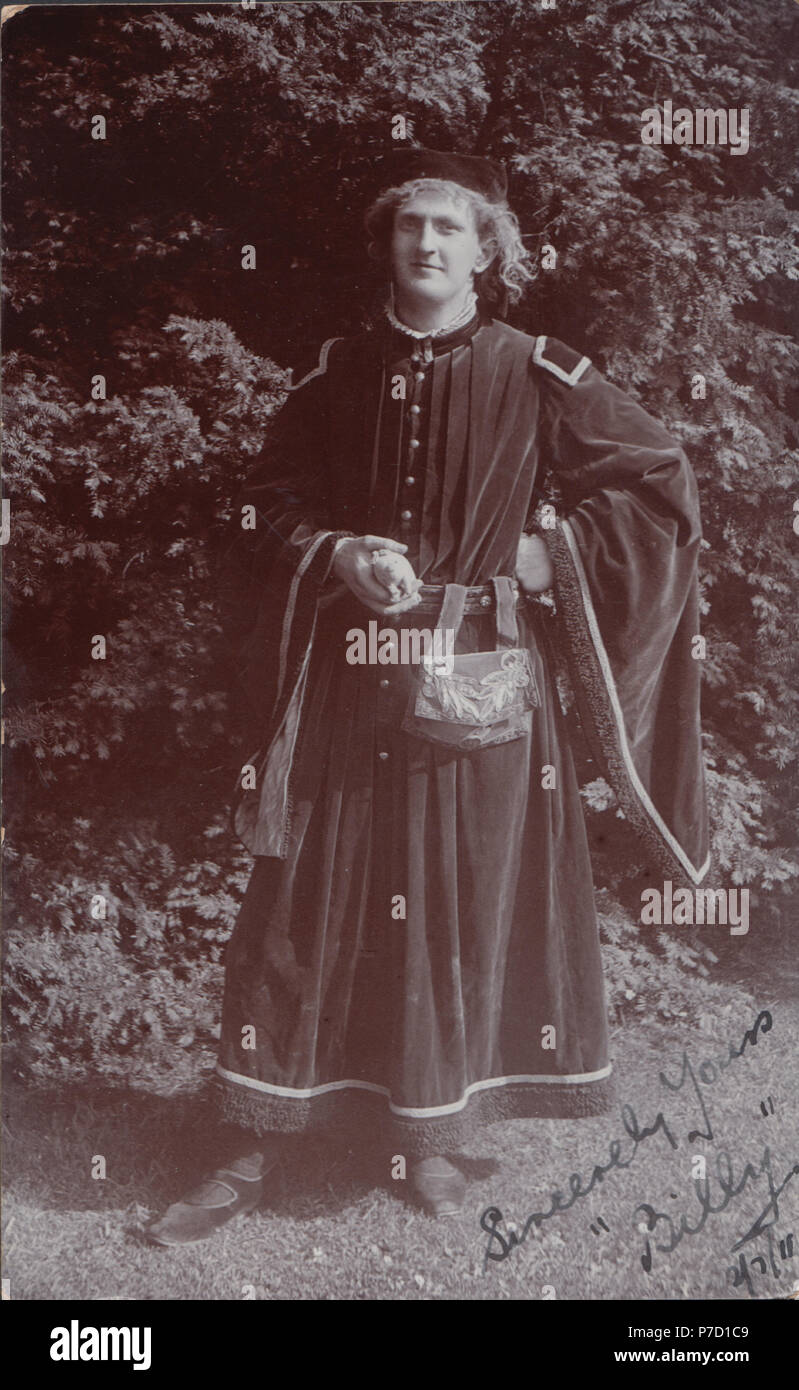 Vintage Photograph of a Man Called 'Billy' Dressed Up As The Sheriff of Nottingham in 1911 - Stock Image