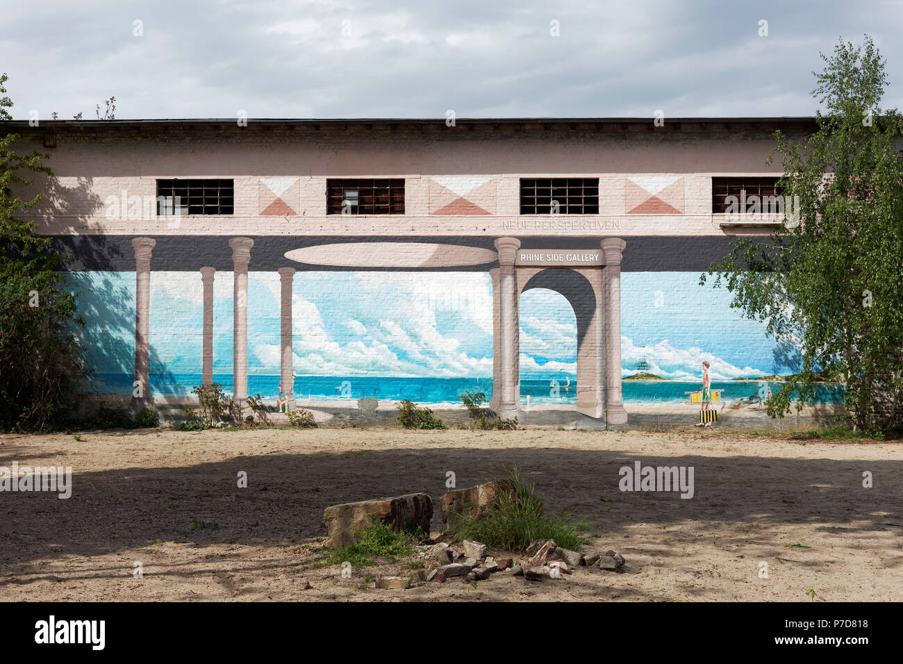 View of the sea, Trompe L'oeil wall painting by Gregor Wosik and Danila Shumelev, Streetart, Rhine Side Gallery Uerdingen - Stock Image