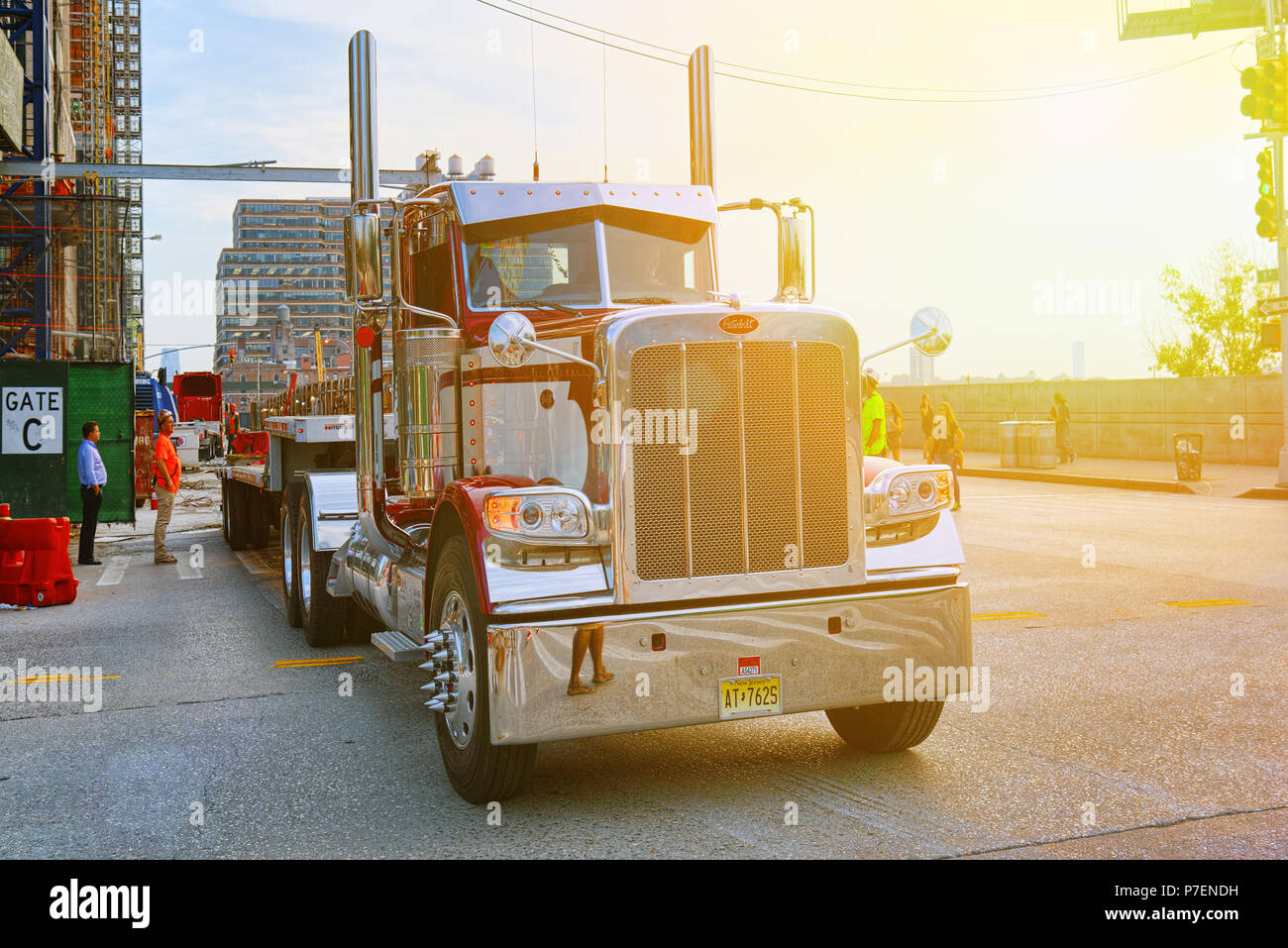 Large American Truck Stock Photos & Large American Truck Stock
