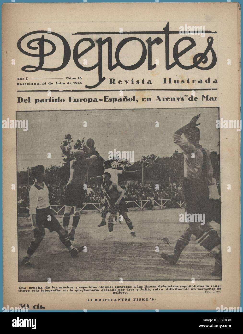 Portada de la revista ilustrada Deportes, editada en Barcelona, junio de 1924. Fotografía tomada durante el partido de futbol entre los equipos del Europa y el Español. - Stock Image