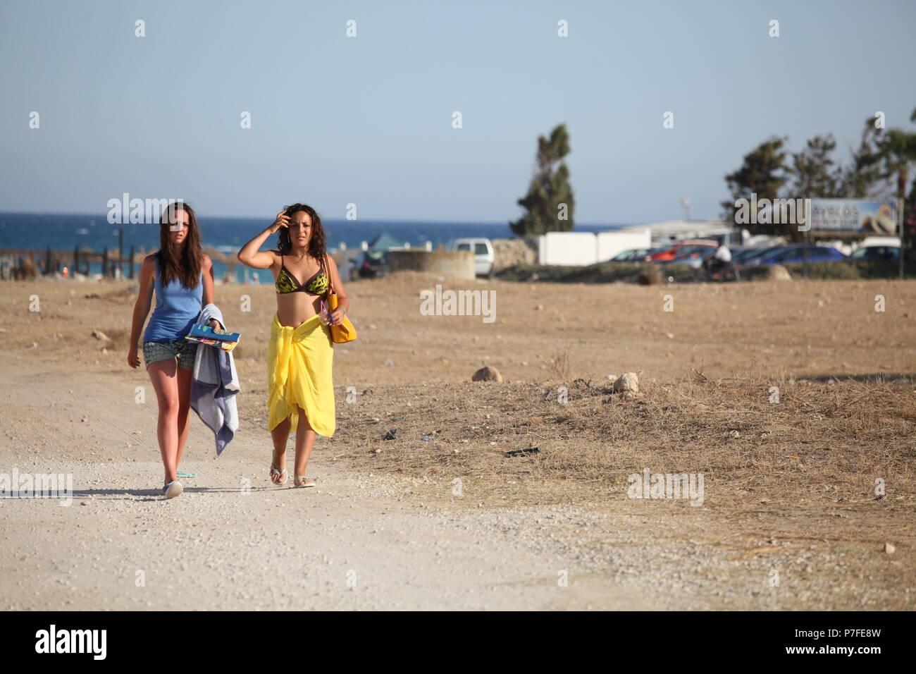 Beach Cloths Stock Photos & Beach Cloths Stock Images - Alamy