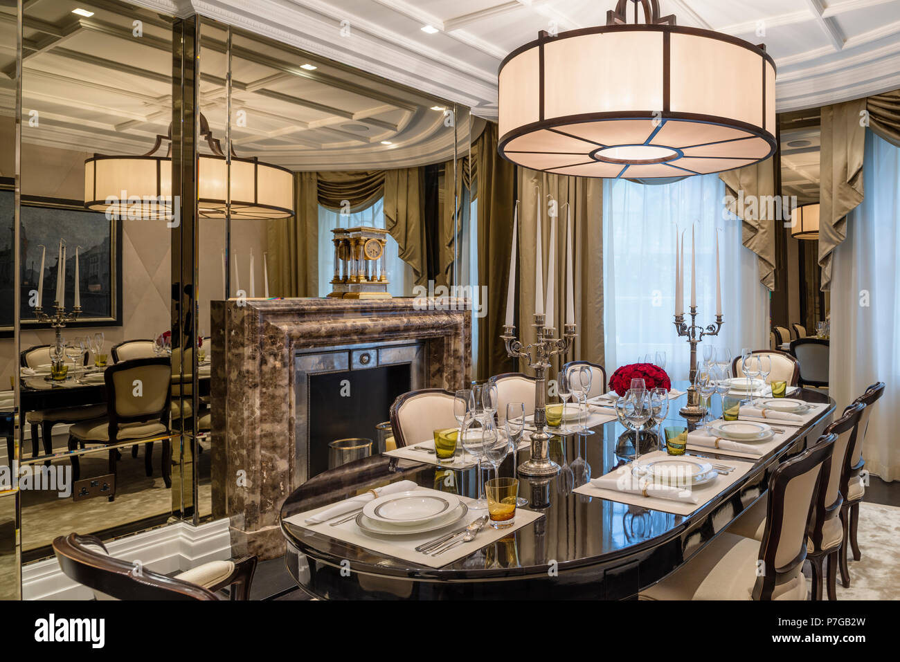 Art deco dining room Stock Photo: 211186945 - Alamy