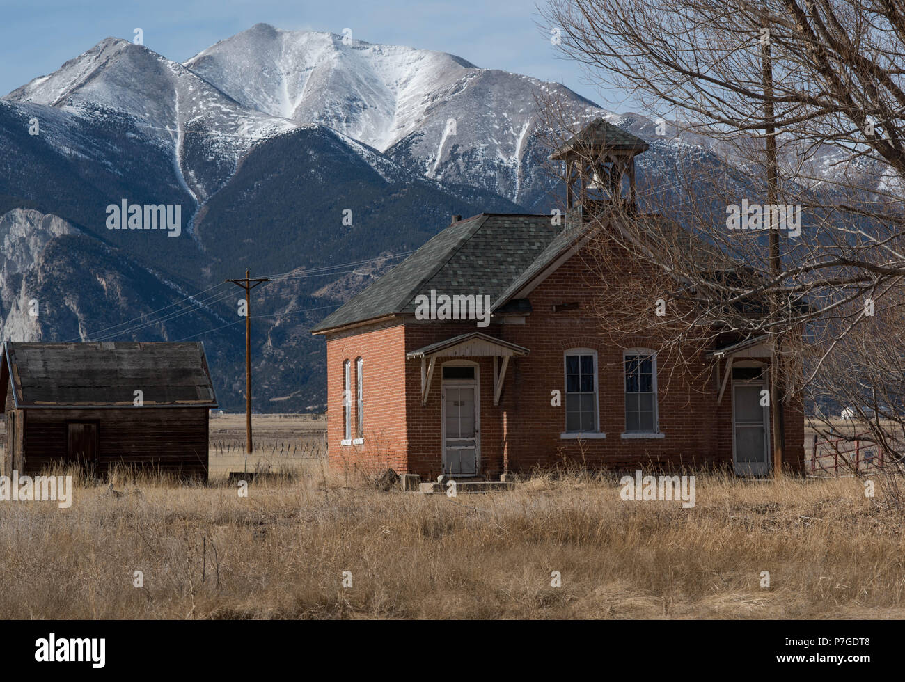 On Room Schoolhouse in the Shadow of Mount Princeton - Stock Image