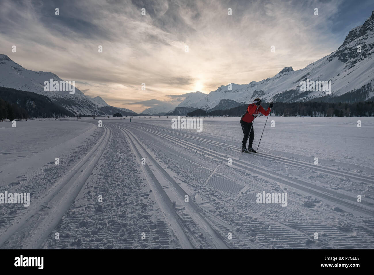 classic skate skiing in Sils, Engadin - Stock Image