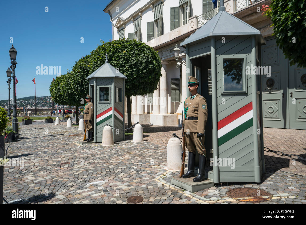 A view of the guards in front of theSandor palace in Budapest, Hungary Stock Photo