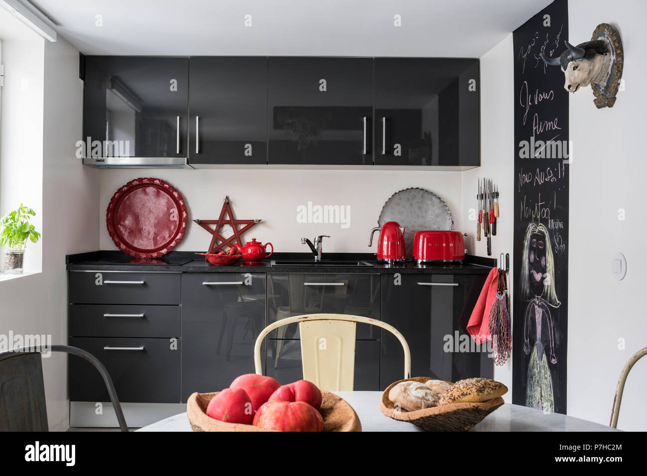 Amazing Dark Grey Flat Fronted Kitchen Units In Modern Kitchen With Machost Co Dining Chair Design Ideas Machostcouk