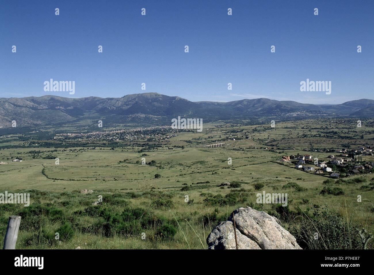 SIERRA DE GUADARRAMA SOTO DEL REAL- MIRAFLORES Y URBANIZACION PEÑA REAL - PRADOS -VISTA DE DIA. Location: EXTERIOR, PROVINCIA, MADRID, SPAIN. Stock Photo