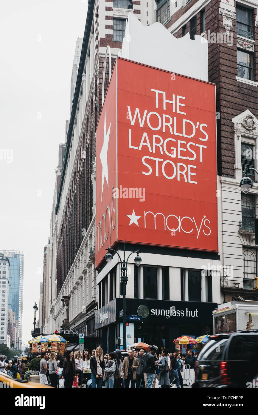 e642433eadfb5 Macys Store Front Stock Photos   Macys Store Front Stock Images - Alamy
