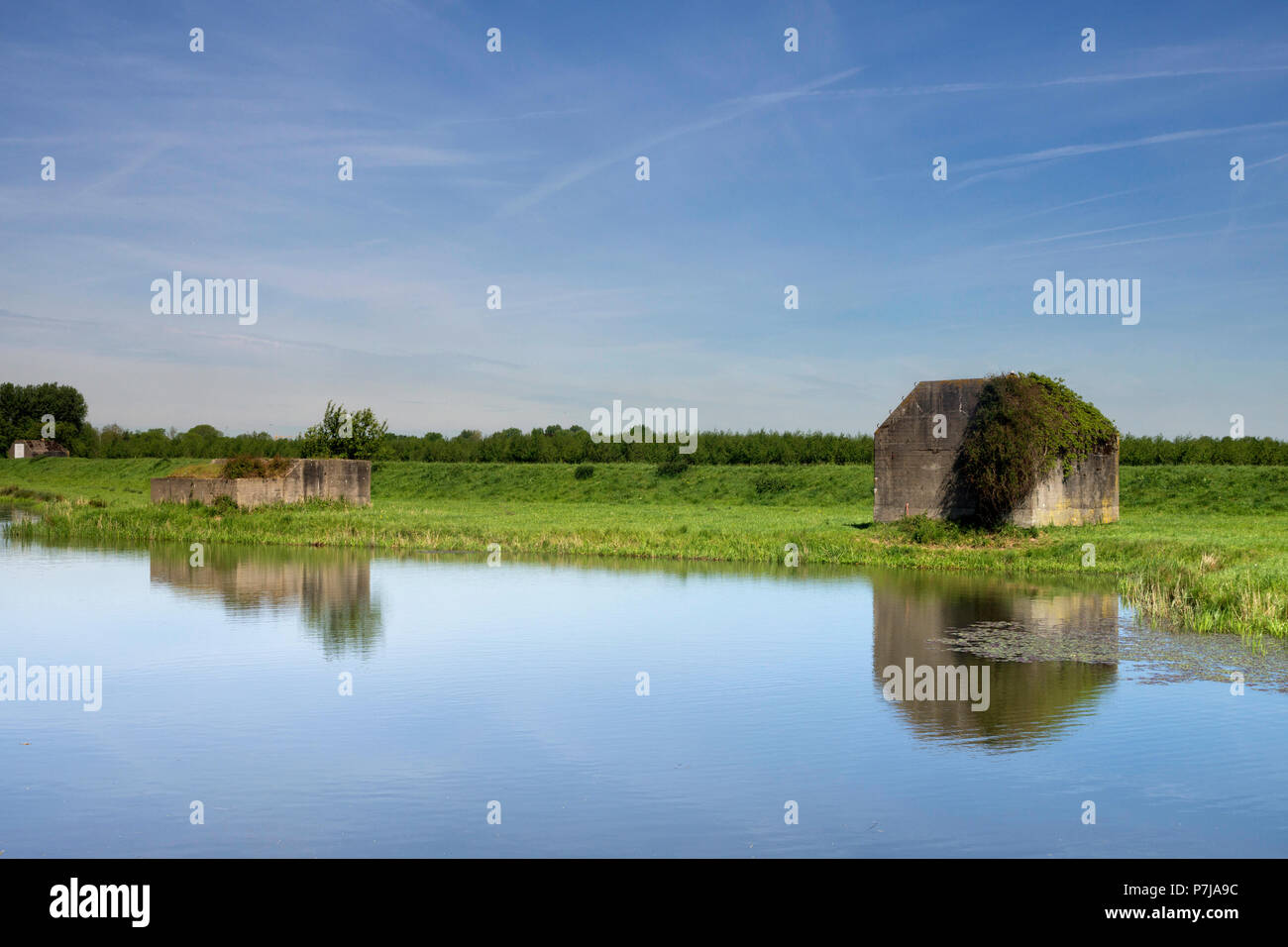 Bunker along the water - Stock Image