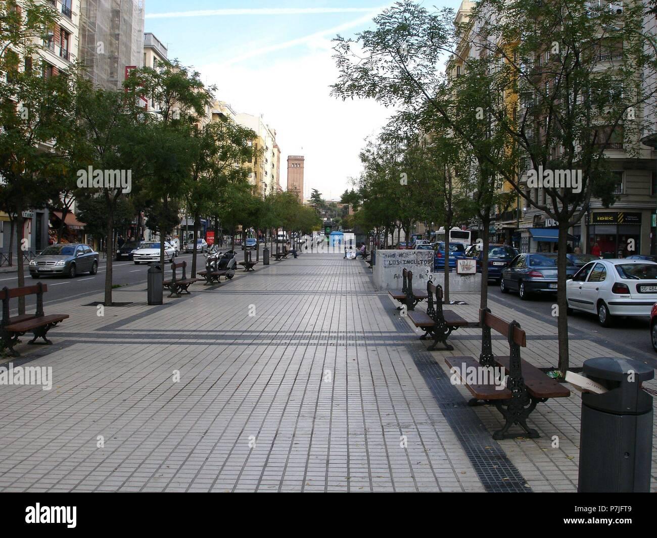 Bulevard En La Calle Reina Victoria Location Exterior Madrid