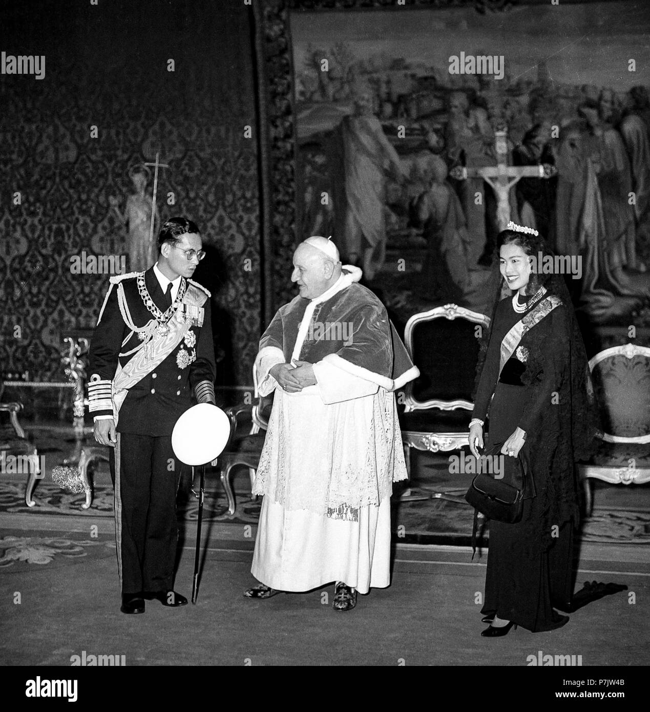 Vatican the Royals of Thailand, Bhumibol Adulyadej and Sirikit Kitigakara, on a visit to Pope John XXIII on October 1, 1960 - Stock Image