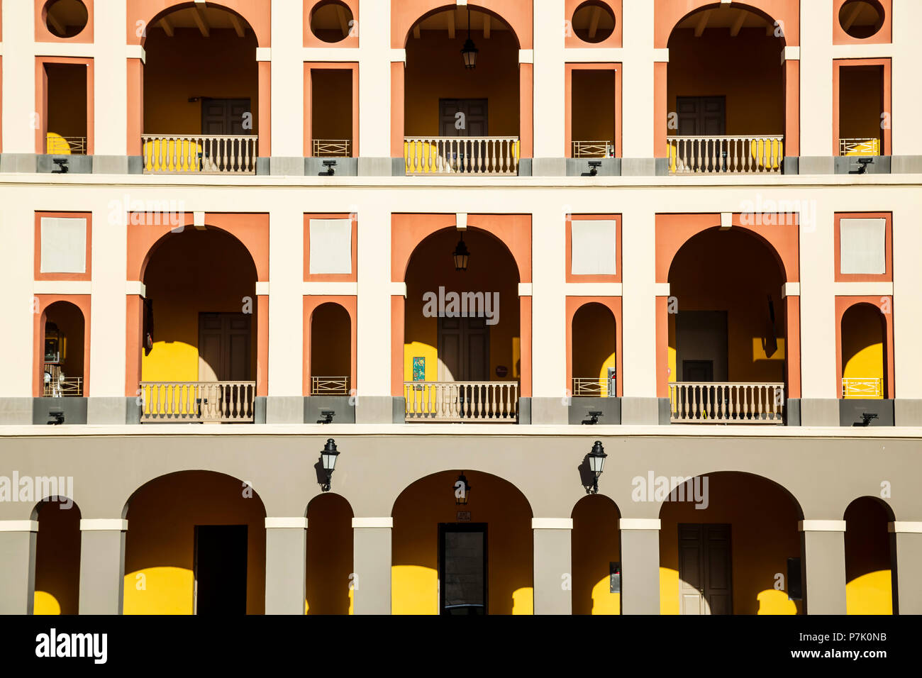 Arches in courtyard, Museum of the Americas (Museo de las Americas)/Historic Cuartel de Ballaja (Ballaja Barracks), Old San Juan, Puerto Rico - Stock Image