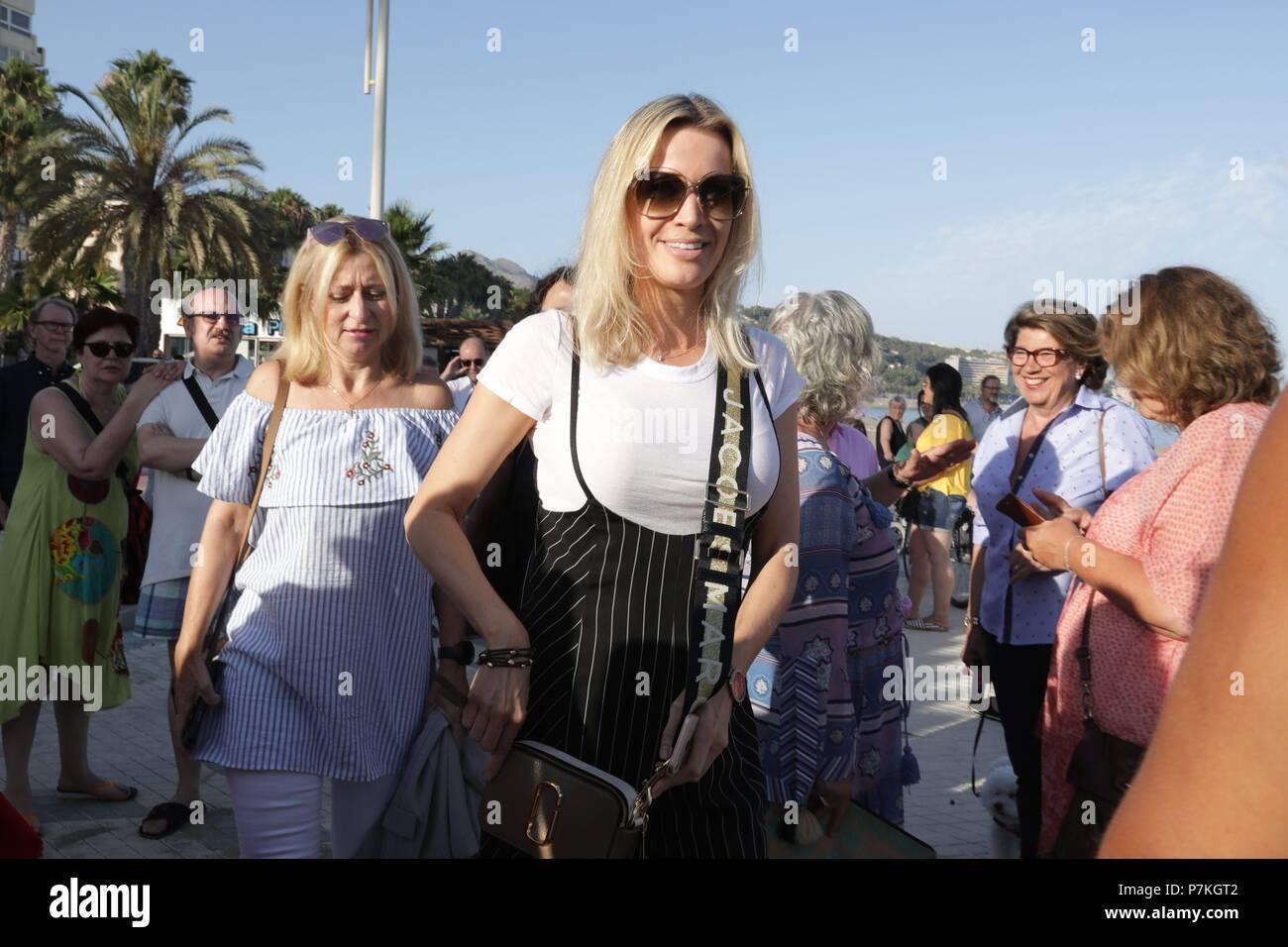 Novia Stock Photos Images Page 3 Alamy Sumas Car Stereo Wiring Harness Malaga Spain 6th July 2018 La De Antonio Banderasnicole Kimpel