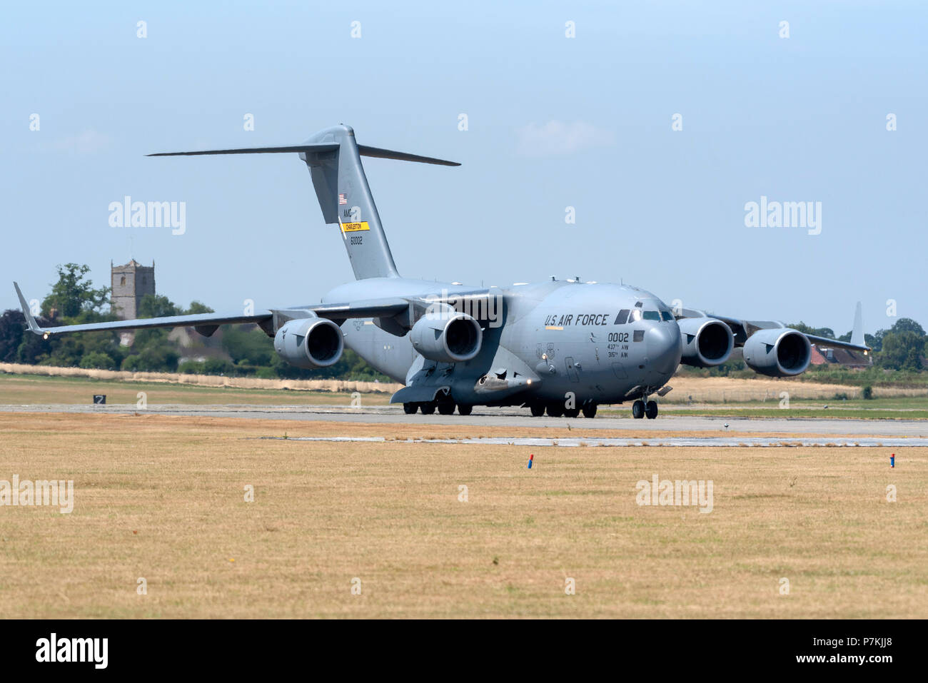 Somerset, UK. 7th July 2018. A USAF C-17A Globemaster strategic transport aircraft taxi-ing along a runway at RNAS Yeovilton, Somerset, England, UK, The jet will form in the static display on Saturday's airshow at the base. Picture: Peter Titmuss/AlamyLive Credit: Peter Titmuss/Alamy Live News Credit: Peter Titmuss/Alamy Live News - Stock Image