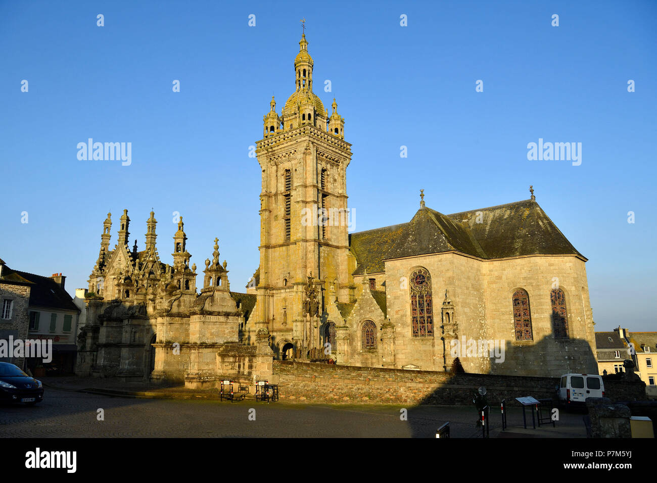 France, Finistere, stop on the Way of St James, St Thegonnec, parish enclosure, the church - Stock Image