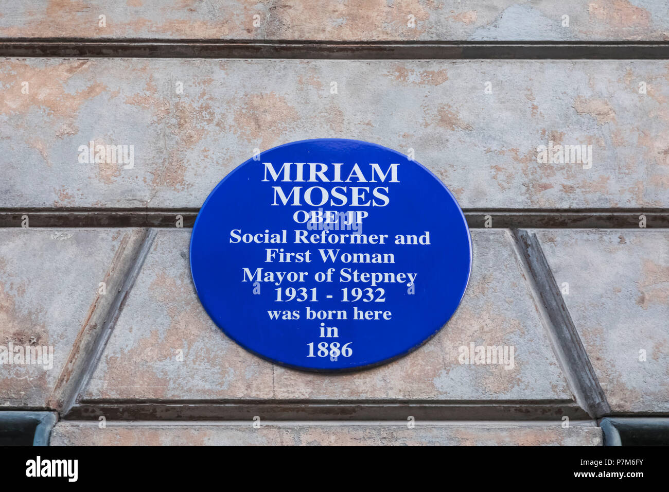 England, London, Shorditch, Spitafields, Blue Plaque on Birthplace of Miriam Moses OBE JP, The First Woman Mayor of Stepney - Stock Image