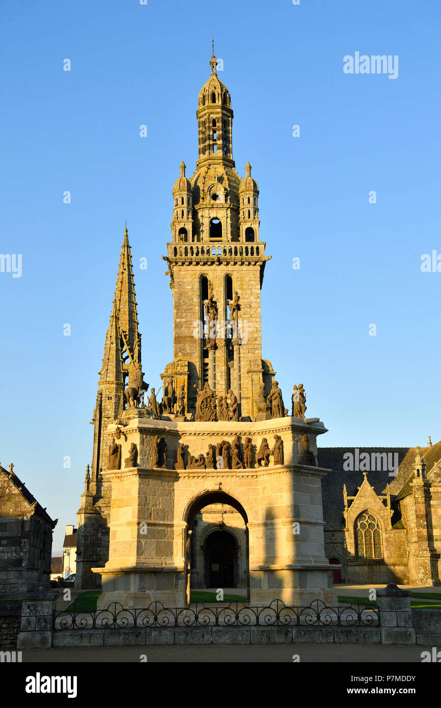France, Finistere, Pleyben, parochial enclosure, the church and the calvary - Stock Image